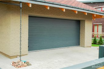 Sectional garage doors (4)